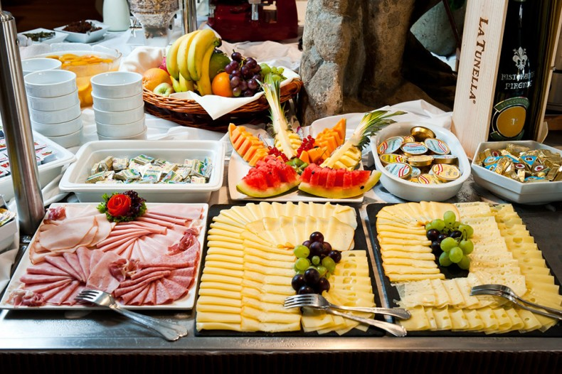 This week 39 s column hotel breakfast buffets sophia money coutts - La table a fromage plan de campagne ...